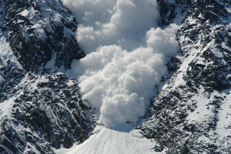 Aventura 2: A ambição de Alberich. Neve vermelha. - Página 5 Lavina