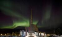 Titánborítású katedrális az Északi-sarkkörön túl