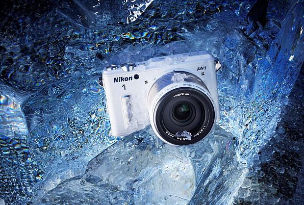 134033 Nikon AW110076_White