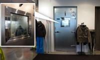 Mínusz 12 fok az ipari hűtőkamrából kialakított próbafülkében