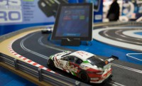 Scalextric RSC versenypálya mobilos infókijelzéssel