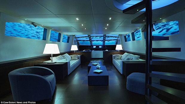 valentin-nap-tengeralattjaro-02