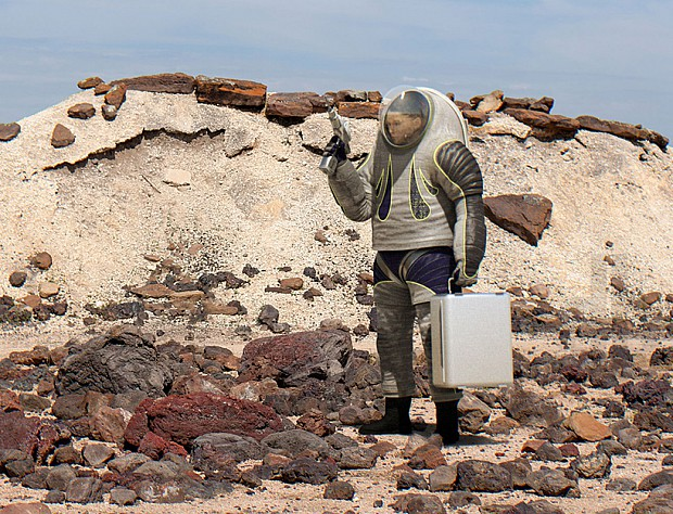 NASA-spacesuit-02