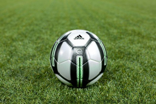 adidas-micoach-smart-ball-01