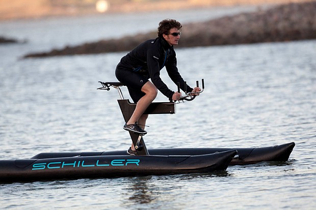 schiller-X1-water-bike-designboom04