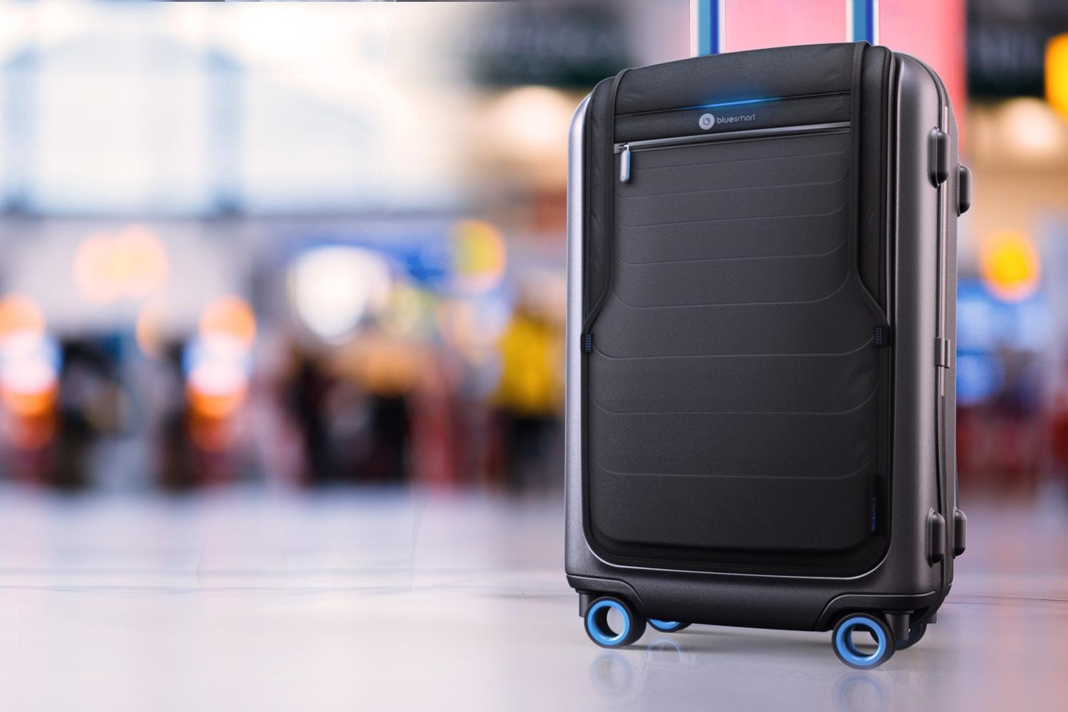 bluesmart-connected-suitcase-airport-1500×1000