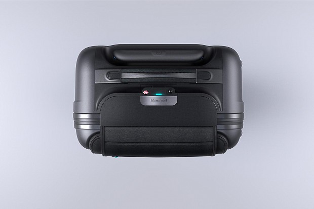 bluesmart-connected-suitcase-birds-eye-1500x1000