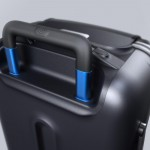 bluesmart-connected-suitcase-handle-angle-1500x1000