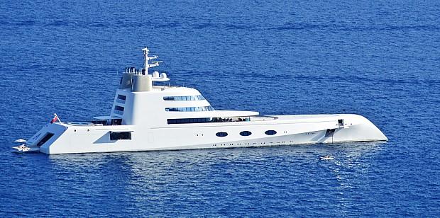 Andrey-Melnichenko-yacht-pto-2012-capri