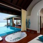 anantara-kihavah-sunset-over-water-pool-villa