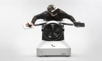 VR madárszimulátor menetszéllel, tériszonnyal, szagokkal