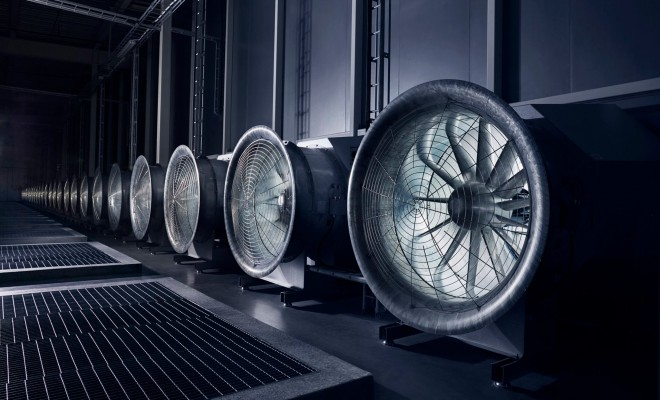 Repülőgépturbina méretű ventillátorokon ömlik be a -30 fokos kinti levegő