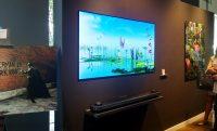 LG OLED TV tapéta a falra: 3 millió Ft/m2