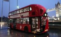 Hibrid emeletes buszok érkeznek Londonba
