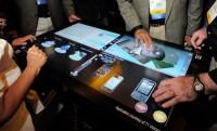 46 inch-es érintőképernyős asztal a 3M Touch Systems-től