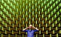 Kínzó csend – süketszoba design