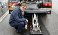 Az új VOLVO e-kamion az autópályából szippanthatja fel az áramot