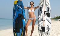 Hullám nélkül is 57 km/h-val hasít a motoros szörfdeszka