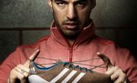Adidas Samba Primeknit – Luis Suarez kötött cipőben fog szambázni Manchesterben