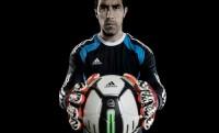 Felokosított focilabda a brazil vébére – Adidas miCoach Smart Ball