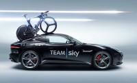 Jaguar F-Type Tour De France: 275km/h két bringával a tetőcsomagtartón