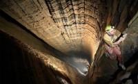 Krubera: ereszkedés a 2197 méter mély barlangba