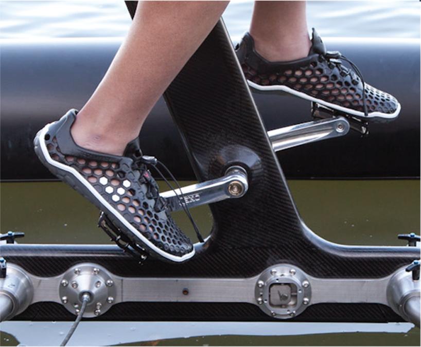 schiller-X1-water-bike-designboom06