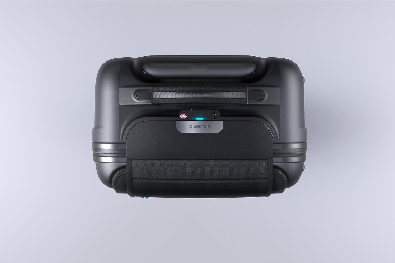 bluesmart-connected-suitcase-birds-eye-1500×1000
