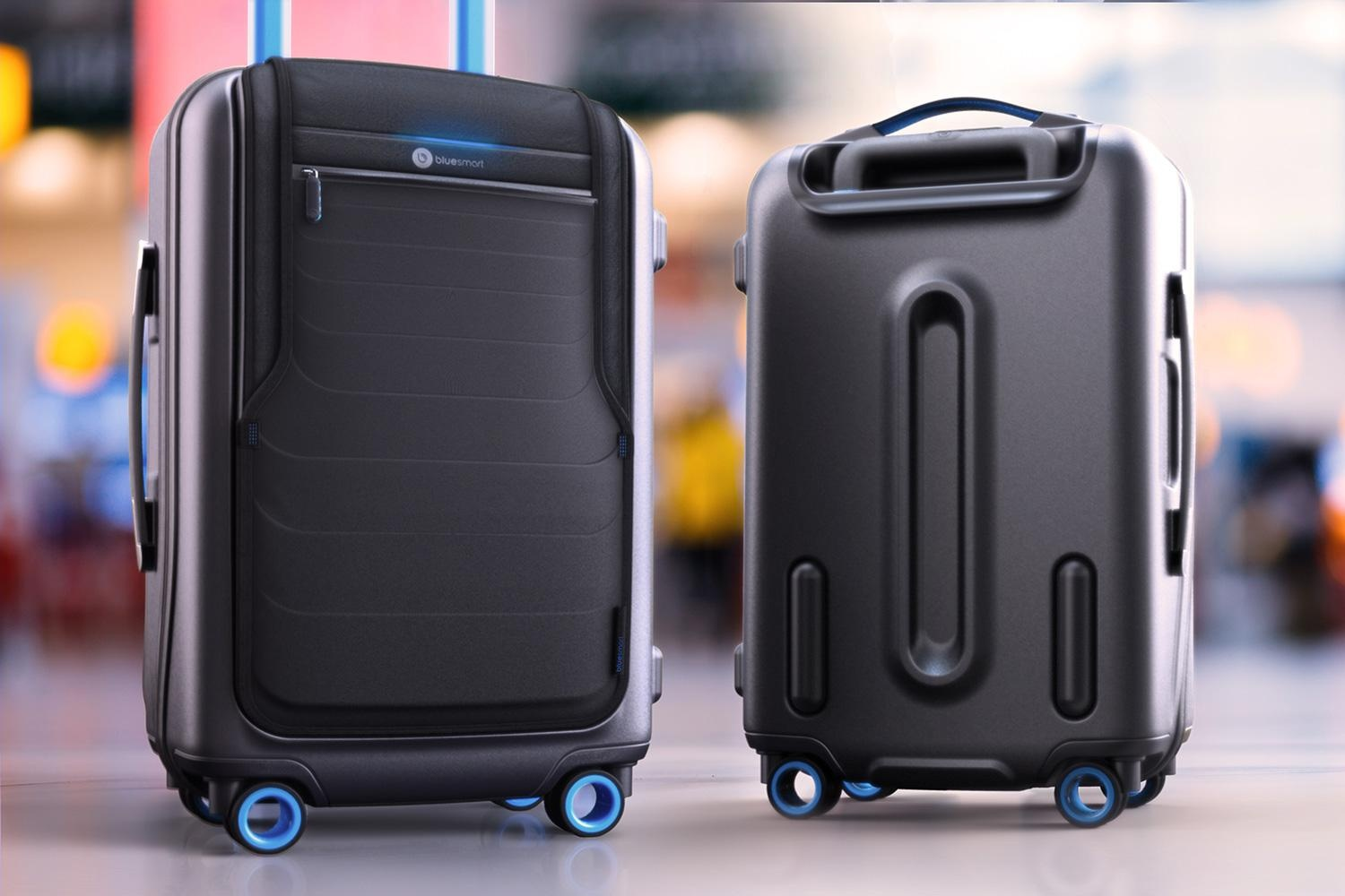 bluesmart-connected-suitcase-in-airport-1500×1000