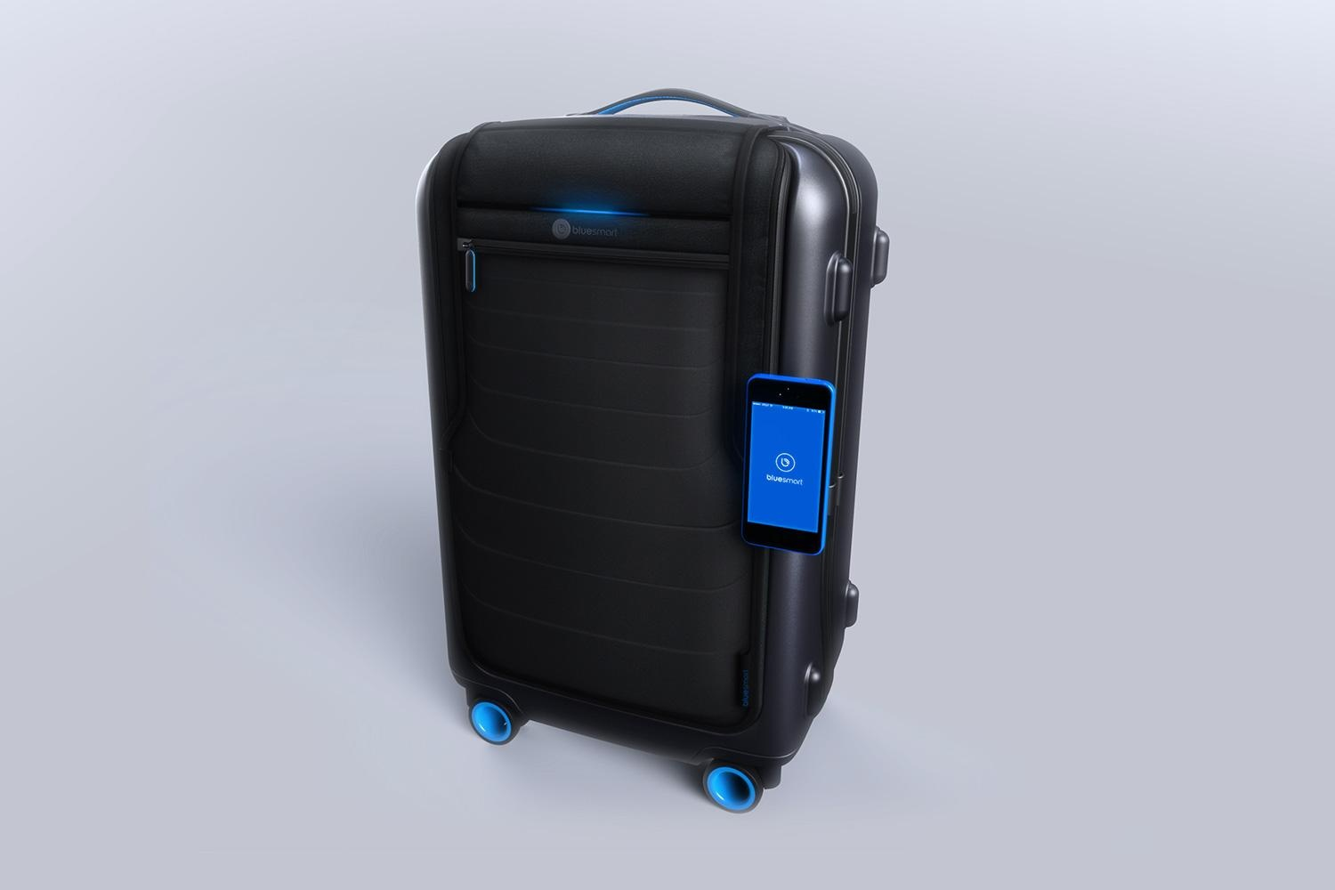 bluesmart-connected-suitcase-iphone-attached-1500×1000