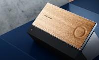 BeoSound Moment: zene hangulathoz streamelve, tölgyfa érintőpanellel