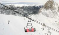 Extrém pályaszállás: 2700 méteren lebegő felvonóban kialakított hotelszoba