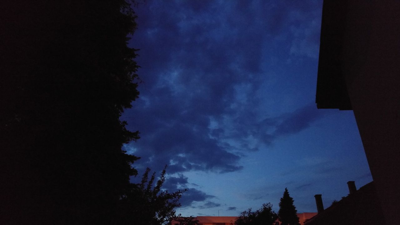 20150725_211653_HDR_ISO2200