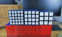 A 22x22x22-es Rubik-kockát összekeverni is sokáig tart